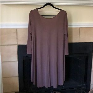 Boutique 3/4 Sleeve Dress (V in back)